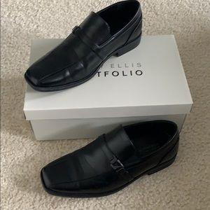 Dress shoes- Perry Ellis - men's size 5 like new